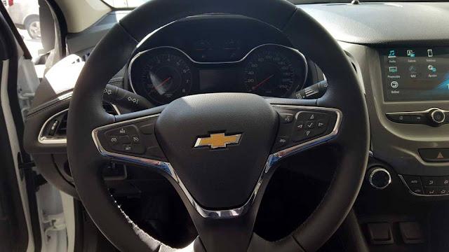 Chevrolet Cruze LT 2017 - sistema MyLink com tela de 7 polegadas