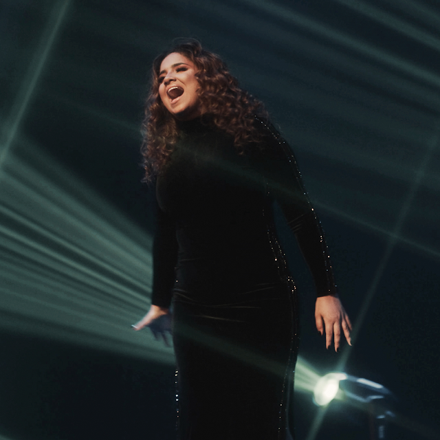 """3 anos sem lançamentos inéditos, Sarah Beatriz traz """"Canta"""""""