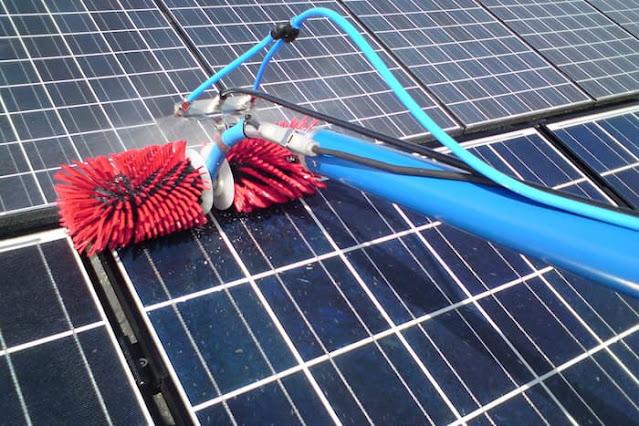 comment nettoyer les panneaux solaires