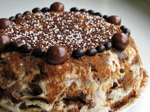 Быстрый торт из пряников с бананами