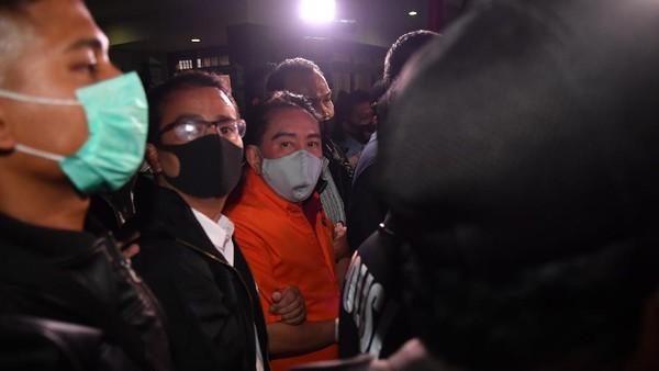 Butuh 11 tahun bagi aparat hukum di Tanah Air untuk menangkap Djoko Tjandra, setelah dikabarkan melarikan diri ke Papua Nugini. Tepat pada 16 Juni 2019, Djoko Tjandra mangkir dari panggilan Kejaksaan untuk dieksekusi