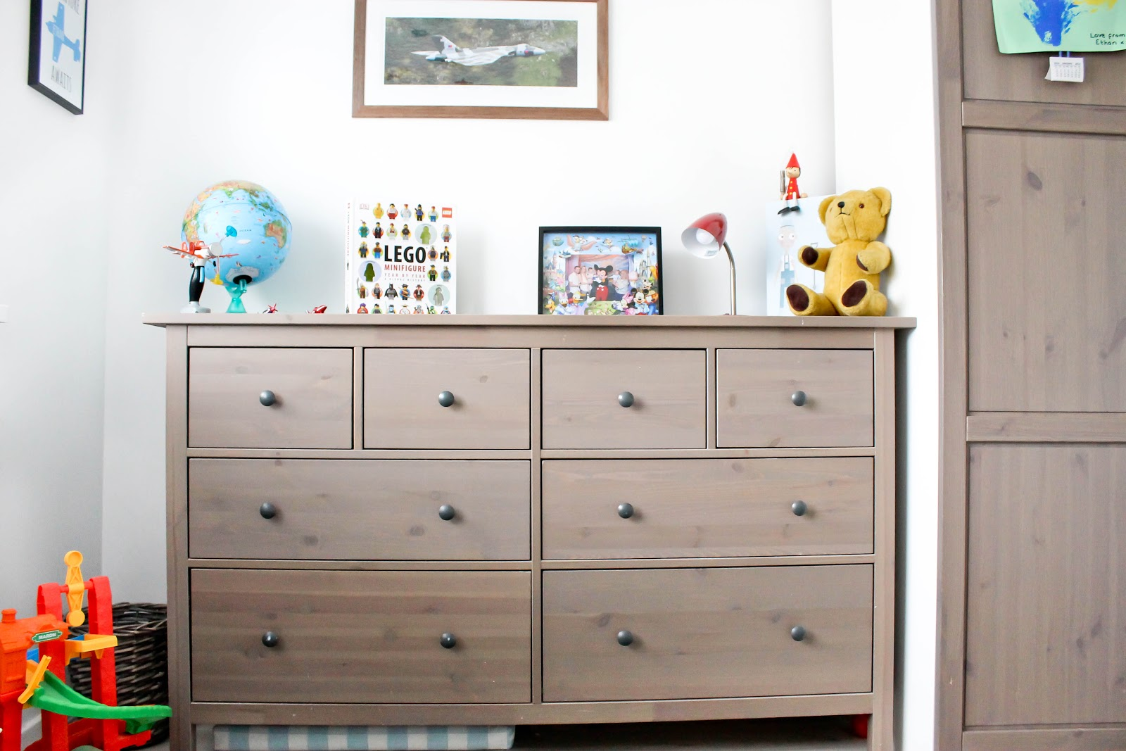 plane themed bedroom, plane bedroom, kids decor, modern kids decor, airplane kids room,