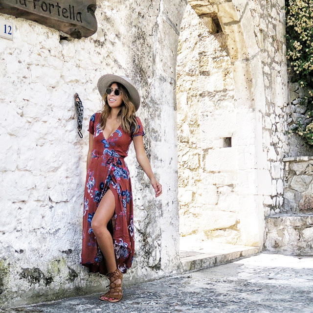 sperlonga Italy, what to wear on vacation, italian vacation outfit, lulus wrap dress