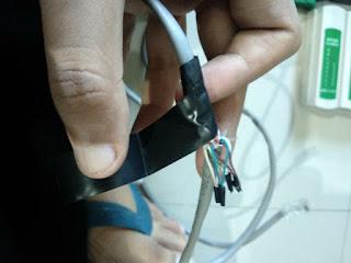 Bungkus kabel luar agar kuat dan aman