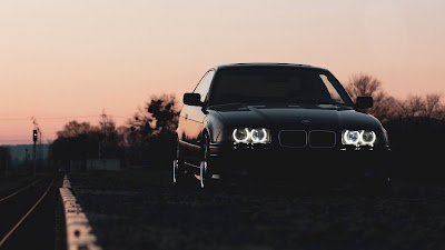 Wallpaper free BMW Car On The Road Night