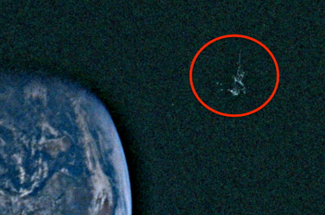 Black Space Station Seen In Earths Orbit In Apollo 10 NASA Link Photo UFO%252C%2Bway%2Bcool%252C%2Bsighting%252C%2Bnews%252C%2Bdaily%252C%2BScott%2BC.%2BWaring%252C%2BNobel%2BPrize%252C%2BET%252C%2BUredda%252C%2BW56