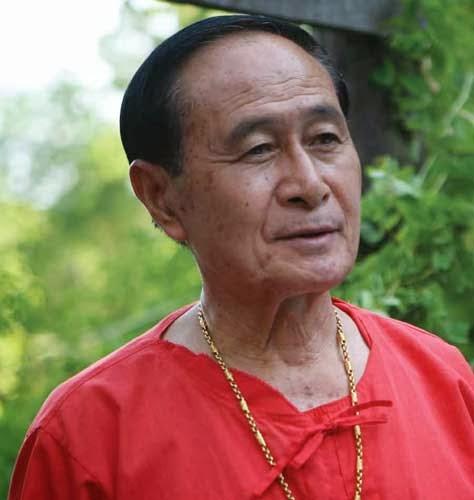 อาจารย์วิชิต ชี้เชิญ ครูภูมิปัญญาไทยสาขาศิลปะการต่อสู้ป้องกันตัวของไทย ปี 2548
