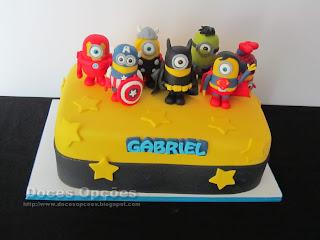 Bolo de aniversário Minions Super Heroes