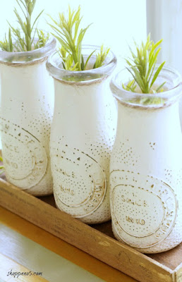 http://shoppeno5.com/how-to-make-a-crate-for-mini-milk-bottles/