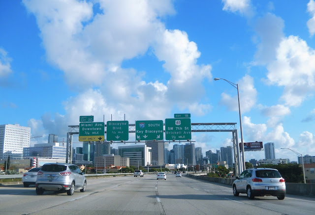Carretera de Miami con dirección Downtown