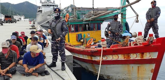 KRI BUNGTOMO 357 Berhasil Tangkap 2 Kapal Pencuri Ikan Asal Vietnam