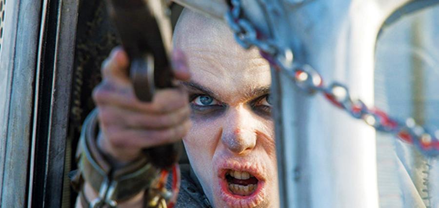Nicholas Hoult în Mad Max: Fury Road