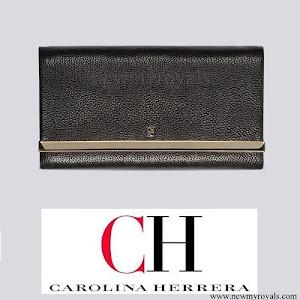 Queen Letizia carried Carolina Herrera black Clutch