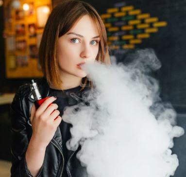 اعرف حقوقك: التدخين في مكان العمل