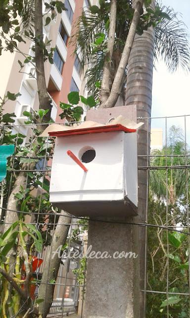 Casinha de passarinho branca