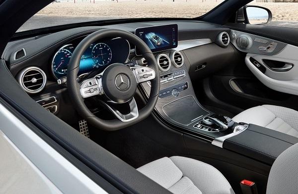 Mercedes Benz C 300 Cabriolet Interior