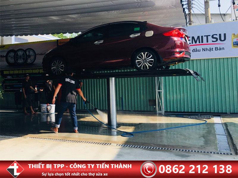 cầu nâng rửa xe, cầu nâng rửa xe hcm, cầu nâng 1 trụ hcm, câu nâng trụ rửa ô tô, cầu nâng rửa ô tô