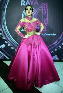 Model Baju Idulfitri Syahrini