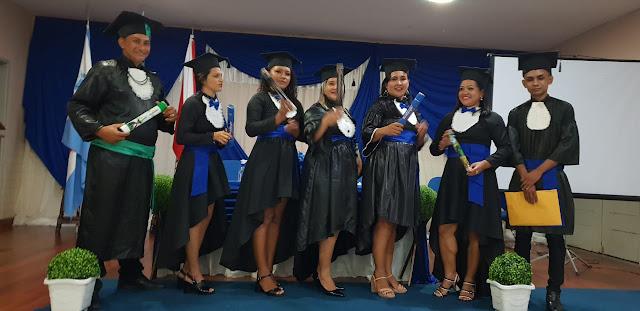 A universidade cruzeiro do sul virtual-polo Óbidos gradua 19 acadêmicos no município de Óbidos