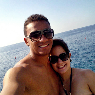 Danilo and his wife Clarice at the sea