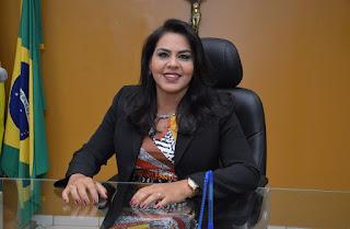Vereadora Surama Martins indica compra de celulares para alunos carentes em Guadalupe