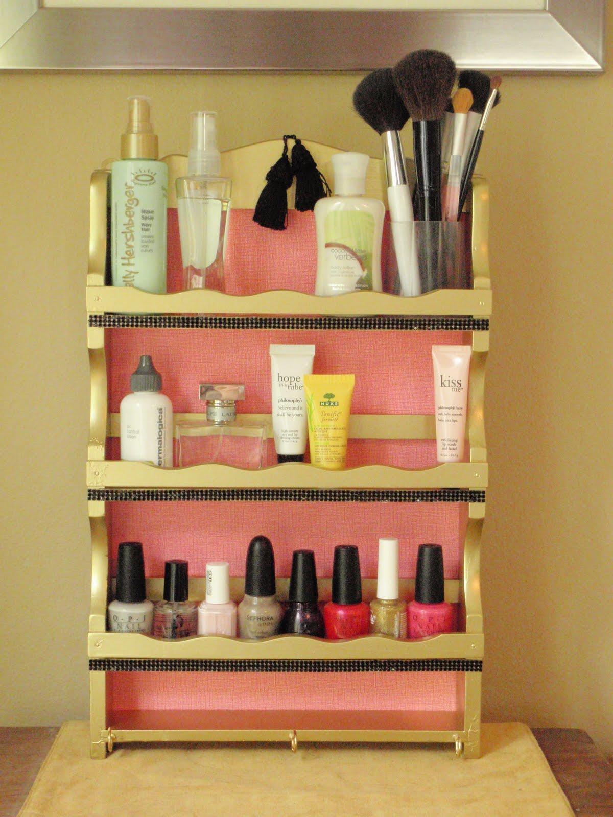 CoCo Designs: DIY Bathroom Organizer