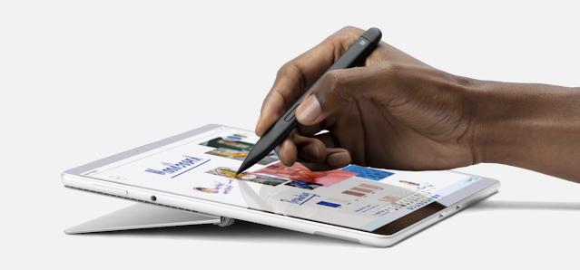 أعلنت مايكروسوفت عن قلم Surface Slim Pen 2 مع محرك لمسي مدمج ودعم زمن انتقال منخفض للغاية
