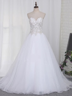 http://uk.millybridal.org/product/organza-tulle-sweetheart-ball-gown-sweep-train-beading-wedding-dresses-ukm00023108-21804.html?utm_source=post&utm_medium=1241&utm_campaign=blog