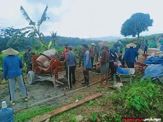 Satgas TMMD I Bersama Warga Mulai Pengecoran Jalan 438 Meter di Dukuh Dosol