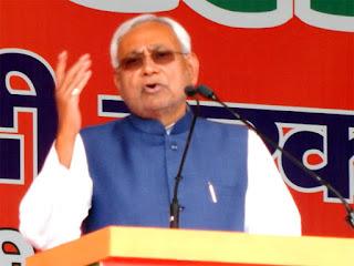 nitish-in-gandhi-maidan-sankalp-rally