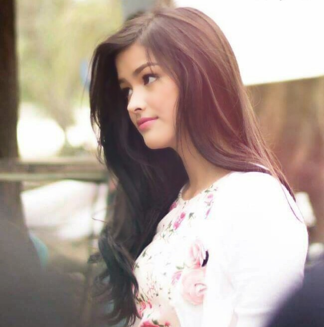 Liza Soberano Hot & Sizziling Wallpapers Photo Gallery HD