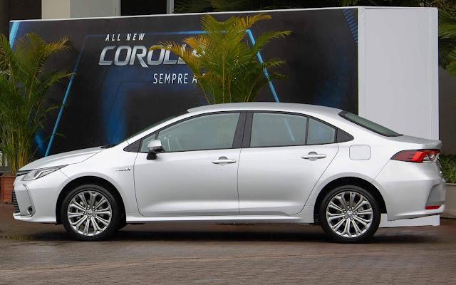 Toyota Corolla 2020 Hybrid Prata - versão de R4 125 mil (sem pacote Premium)