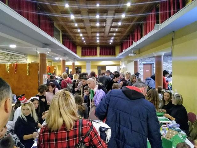 Ήγουμενίτσα: Παιδάκια δημοτικού εόρτασαν Χριστούγεννα στην Ηγουμενίτσα και το κατευχαριστήθηκαν...
