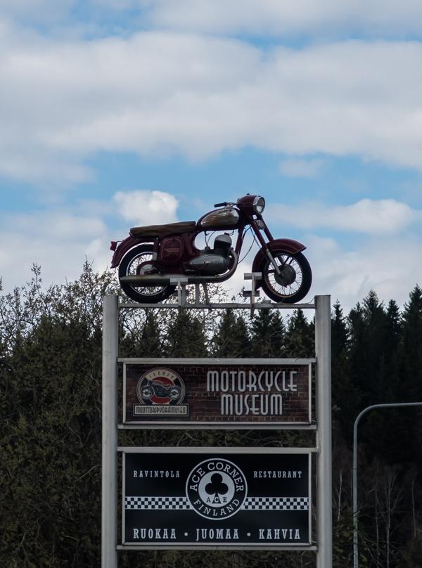 ace corner lahti moottoripyörämuseo vanha norton kyltti_