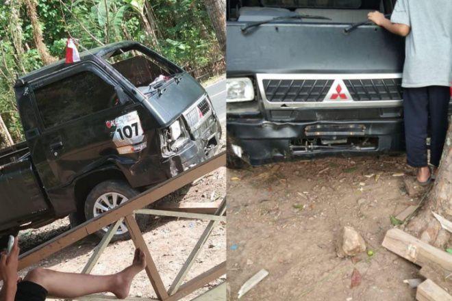 Tabrak Pembatas Jalan di Bone, Pick Up Terguling