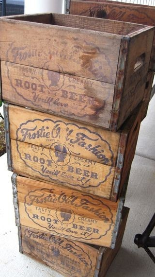 Dishfunctional designs vintage wood crates upcycled for Old wooden box ideas