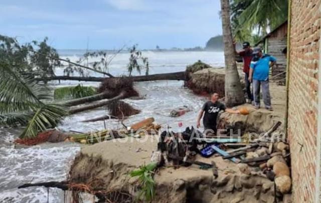 Akibat Abrasi Pantai, Rumah Warga Palak Kerambil Abdya Mulai Rusak