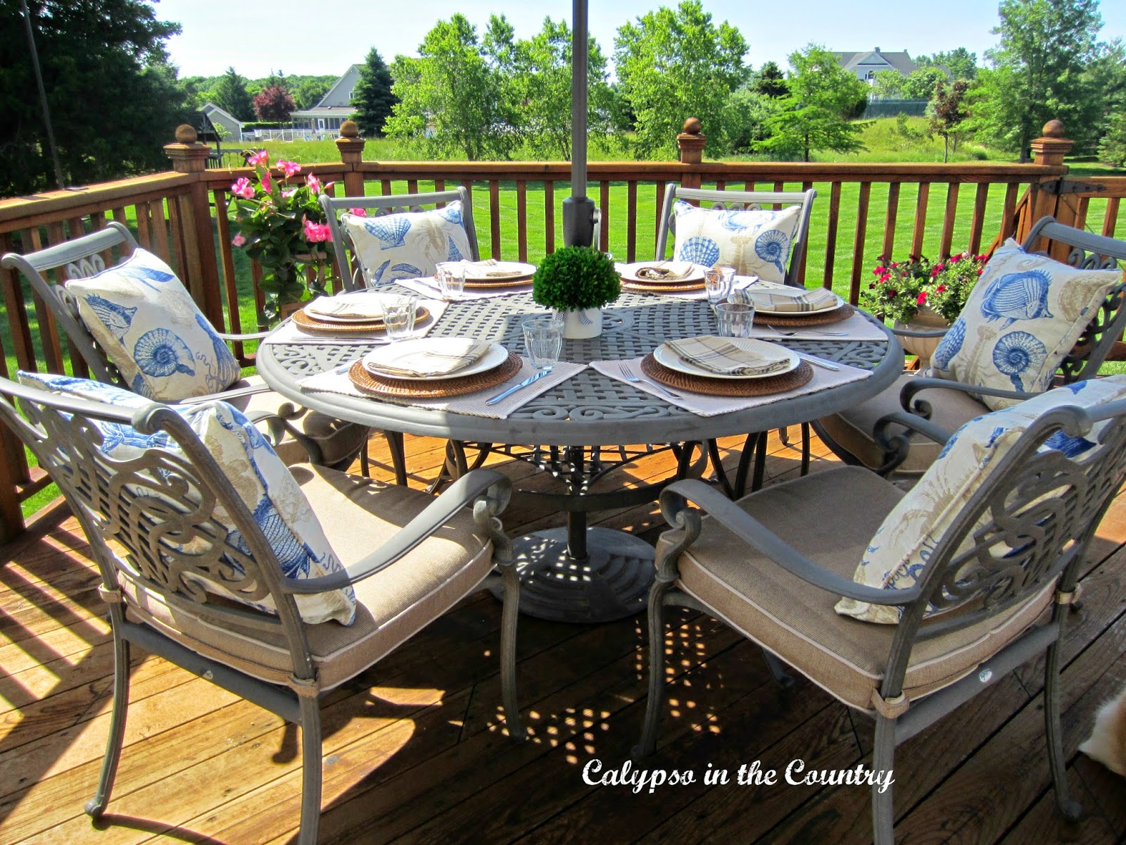 Ideas for outdoor dining - masculine table setting for Dad