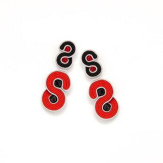 modern-stud-earrings-red-black