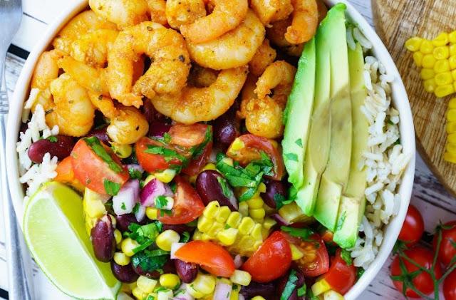Spicy Shrimp Burrito Bowls #healthy #dinner