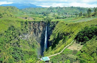 Air terjun Sipiso-piso - Sumatera Utara
