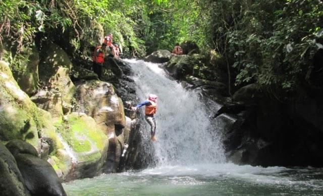 Yuk Mengintip Wisata Sungai di Ciamis Yang Dibanjiri Wisatawan
