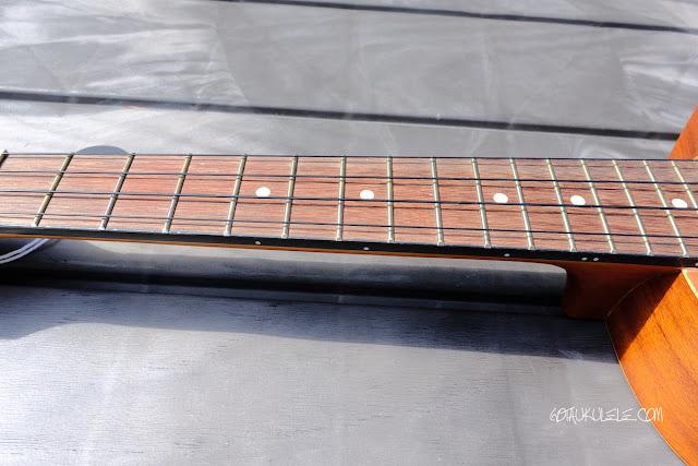 Ibanez UEWT5 Tenor Ukulele neck