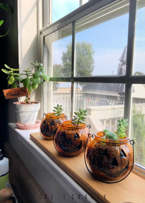 Halloween Home Decor - kitchen decor, what to put in windowsill
