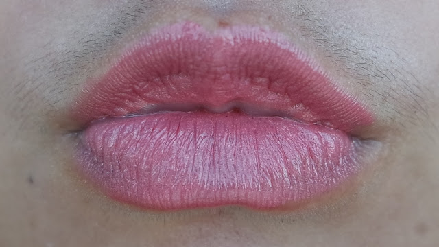 Swatch ULTIMA II ProCollagen Lipstick Spice
