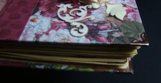 скрап,альбом,миник,фотоальбом,цветы,самодельные цвеы,переплет,пионы,чипборд,вырубка,уголки,металл,металлические уголки