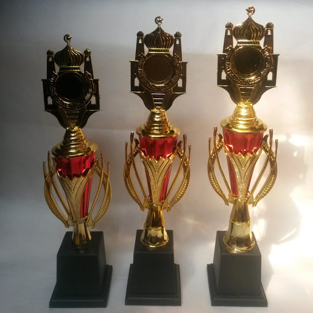 Piala Model Masjid