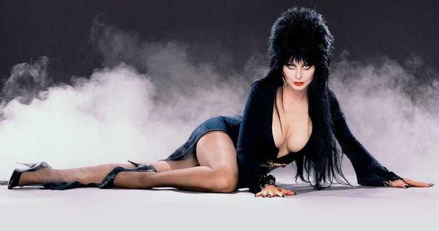 Cassandra Peterson confirma que está trabajando en una nueva película de Elvira
