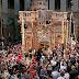 Ιεροσόλυμα: Βγήκε το Άγιος Φως από τον Πανάγιο Τάφο – Η συγκλονιστική στιγμή της Αφής