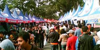 Serunya Berkeliling di Wisata Belanja Tugu, Malang